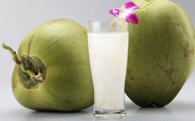 Zitrone für Haarausfall - Zitronensaft mit Kokoswasser