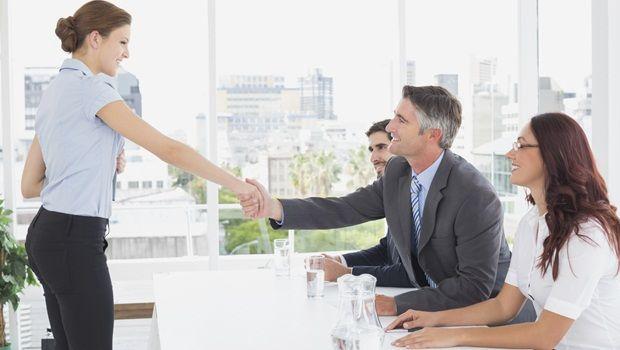 Möglichkeiten, die Arbeitsleistung zu verbessern - eine positive mentale Einstellung der Entwicklung