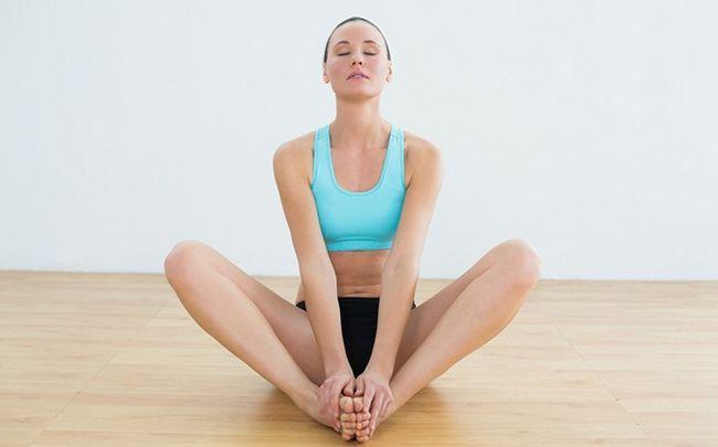 Yoga-Posen für PCOS - badhakonasana (Schmetterling Pose)