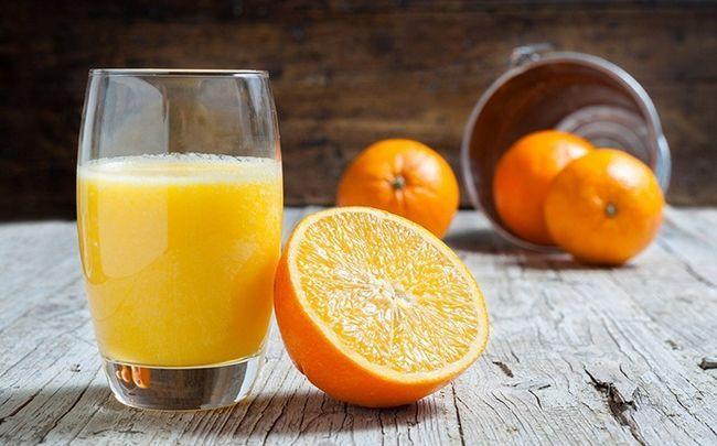 wie alt Spiegel zu senken - Zitrussäfte mit hohem Vitamin C verbrauchen