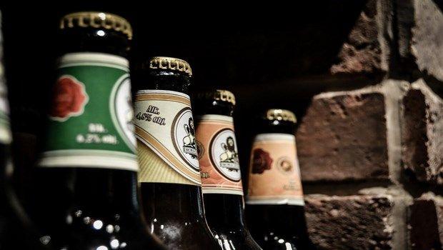 wie alt Ebenen-begrenzen Ihren Alkoholkonsum zu senken