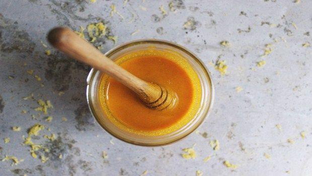natürliche Heilmittel für Gallenblase Schmerz-Mischung Kurkuma und Honig