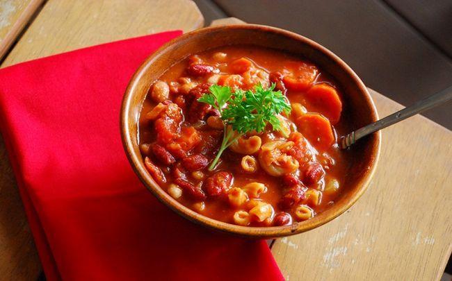 gesunde Babynahrung - Pasta-Suppe