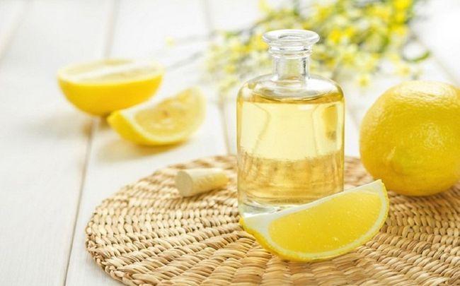 Zitrone für Schuppen - Zitrone spülen und Wasser