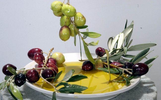 Zitrone für Schuppen - Zitronensaft, Olivenöl und Ingwer