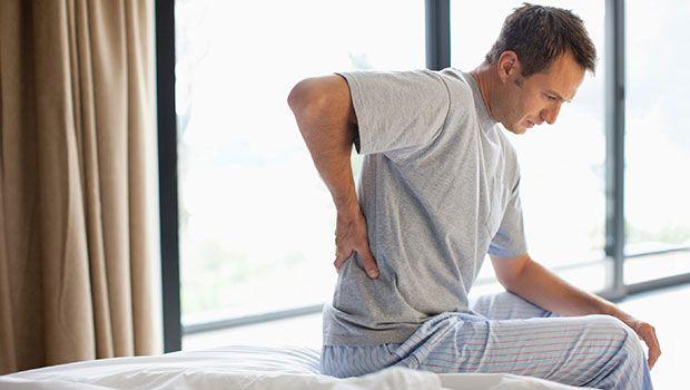 Erste Magenschmerzen und Rückenschmerzen