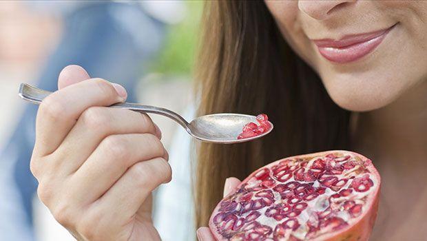 besten Lebensmittel für Haut pomegranates
