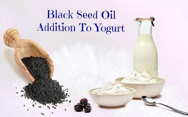 Joghurt für Durchfall - Schwarzkümmelöl neben Joghurt
