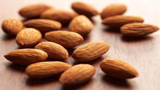 natürliche Heilmittel für Demenz-Mandeln
