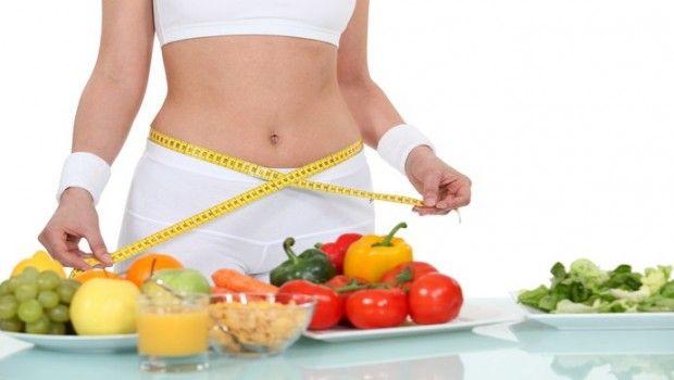 9 Top vitamine für die gewichtsabnahme und ihre natürlichen quellen