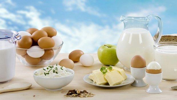 Haartransplantation für Frauen-Ei und Milch