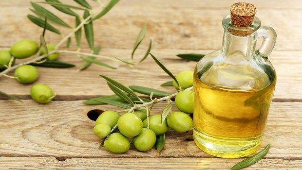 Haartransplantation für Frauen-Olivenöl