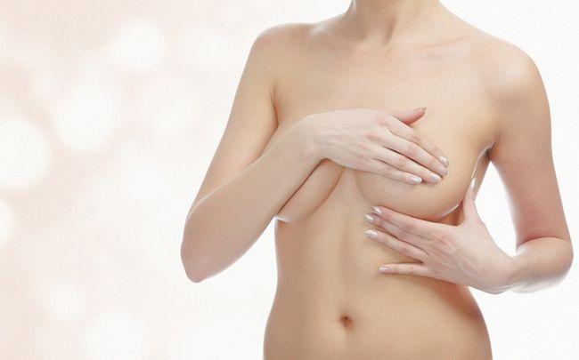 Hausmittel für schlaffe Brüste - Massage schlaffe Brüste mit natürlichen Inhaltsstoffen