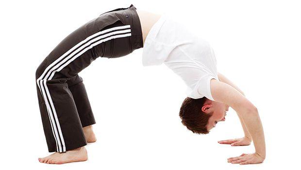Yoga-Posen für besseren Sex - Brücke stellen