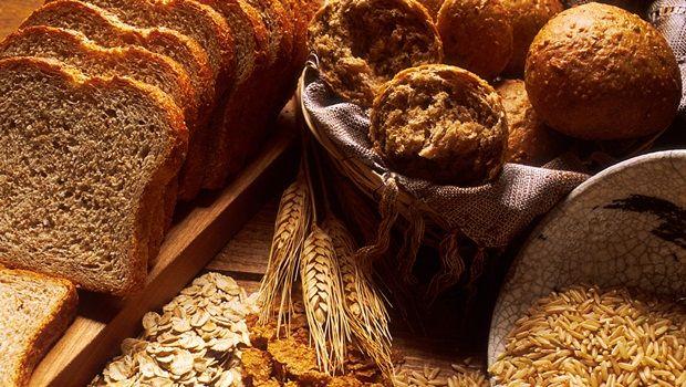 Lebensmittel, die Sie jünger aussehen - Vollkornprodukte und Fasern