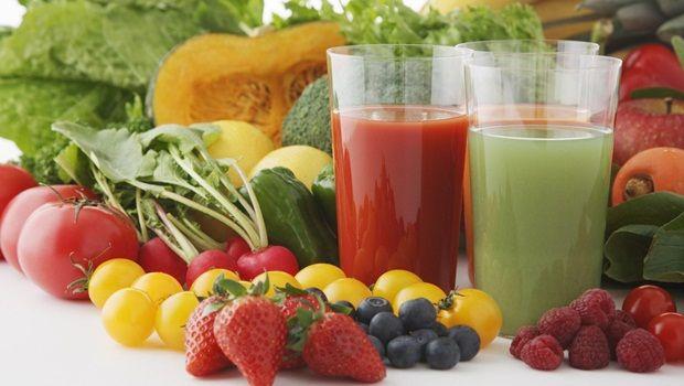 Lebensmittel, die Sie jünger aussehen - Wasser reichen Lebensmitteln