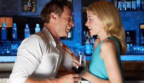 Easy flirten Singles kennenlernen beim Flirt und Online Dating
