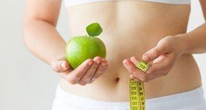 Wie man gewicht verlieren ohne übung oder diät schnell mit 12 tipps
