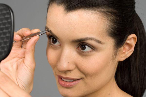 Wie Shape Eyebrows