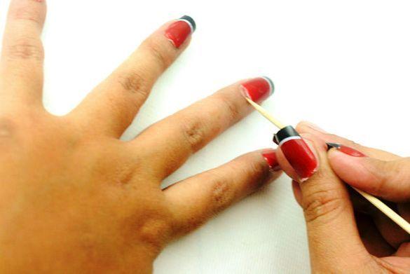 Wie falsche Nägel auszuziehen
