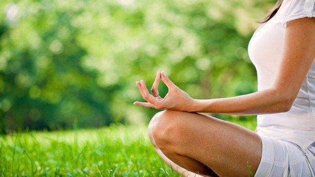 wie Psoriasis-Yoga behandeln