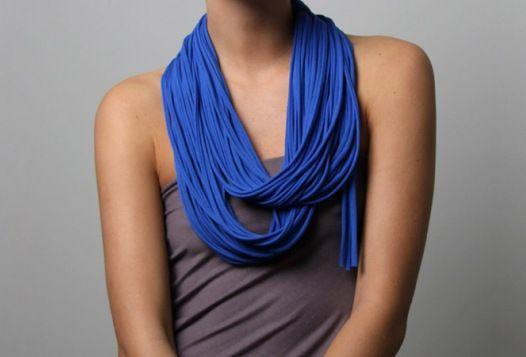 Wie man einen Schal (Endlosschleife) zu tragen
