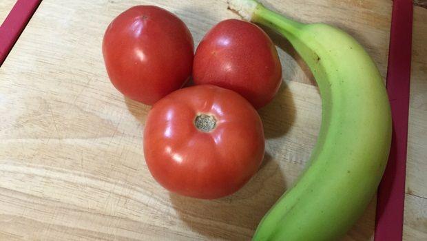 reife Banane, Tomate