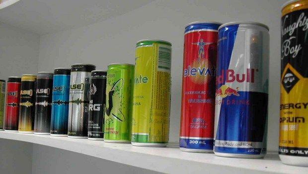 Lebensmittel, die Bluthochdruck-Energy-Drinks verursachen