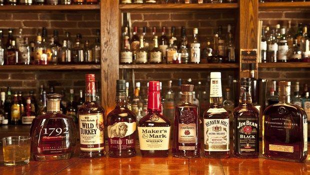 Lebensmittel, die Bluthochdruck-Alkohol verursachen