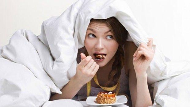 Top 29 schlimmsten lebensmittel vor dem schlafengehen zu essen und vorschläge für gute-nacht-snack