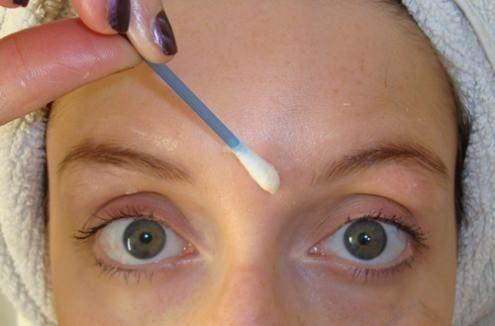 Vaseline Augenbrauen- Wachstum Wachsen Augenbrauen mit Vaseline